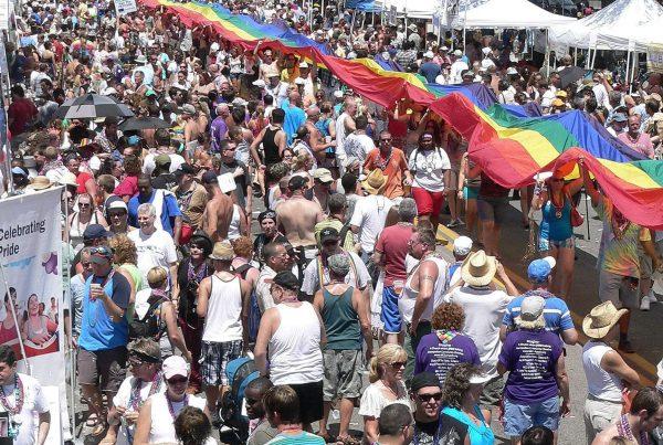 Photo Cred: http://stpetersburgyellowtaxi.com/2016/06/21/gay-pride-week-2016/
