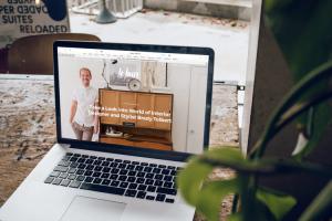 website professional laptop
