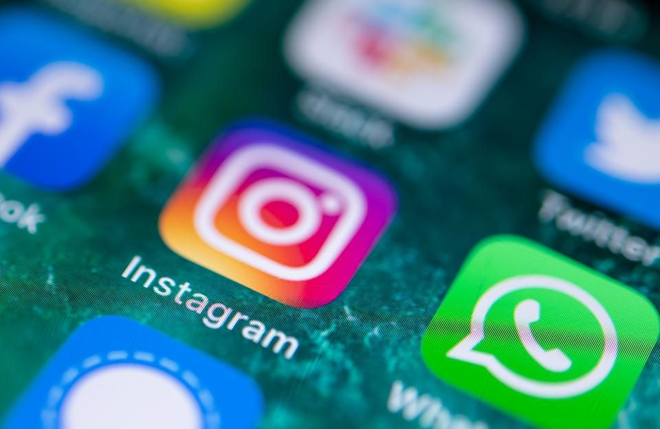 Facebook vs. Instagram: How They Really Stack Up